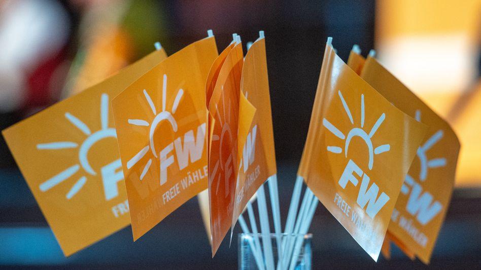 Fähnchen mit dem Logo der Freien Wähler (Symbolbild)
