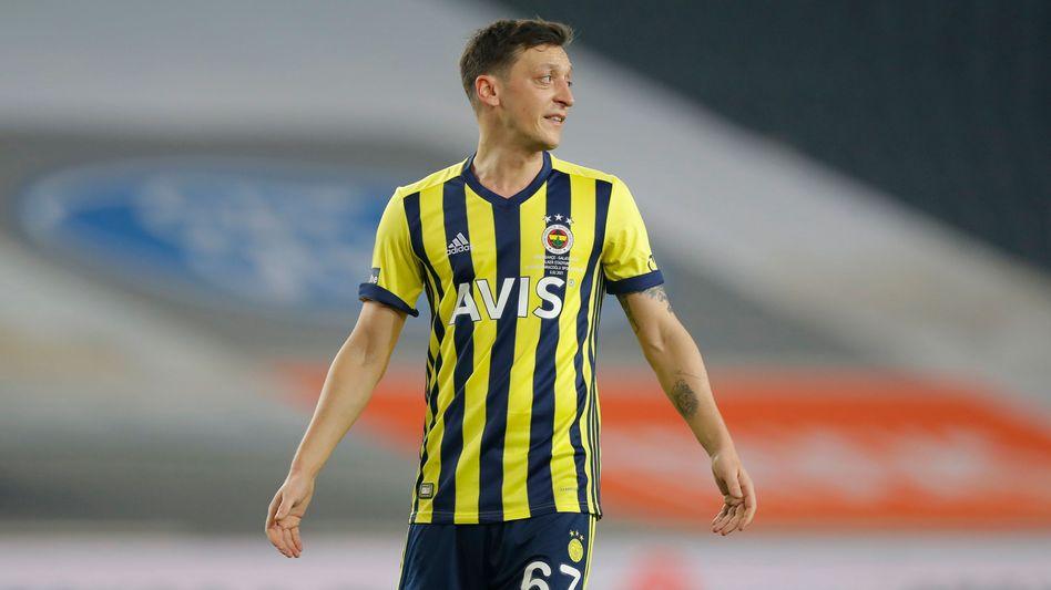 Mesut Özil: Im Winter vom FC Arsenal in die Türkei gewechselt