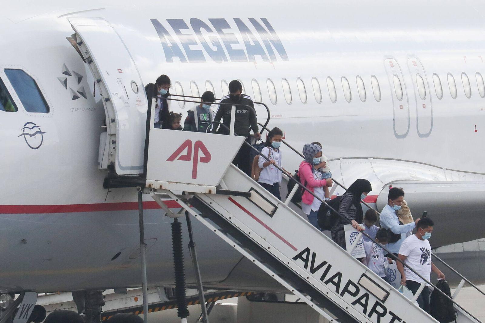 Niedersachsen, Hannover, 30.09.2020, Die ersten von bis zu 150 minderjährigen Migranten aus dem abgebrannten griechische