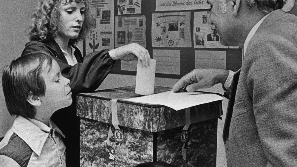 """Wahlen in der DDR: """"Es muss demokratisch aussehen"""""""