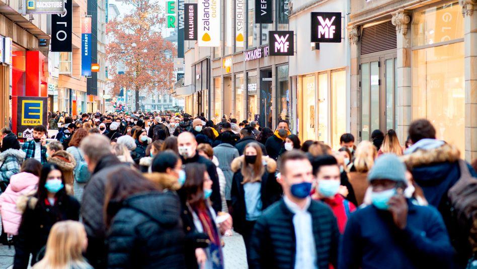 Große Packhofstraße in Hannover: Fast 90 Prozent der Einkommensverluste fängt der Staat im Schnitt auf
