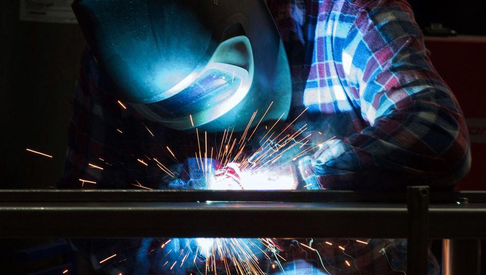 Schweißer im Maschinenbau