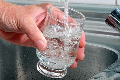 Trinkwasser: Übermäßigen Wasserkonsum führte zum Tod