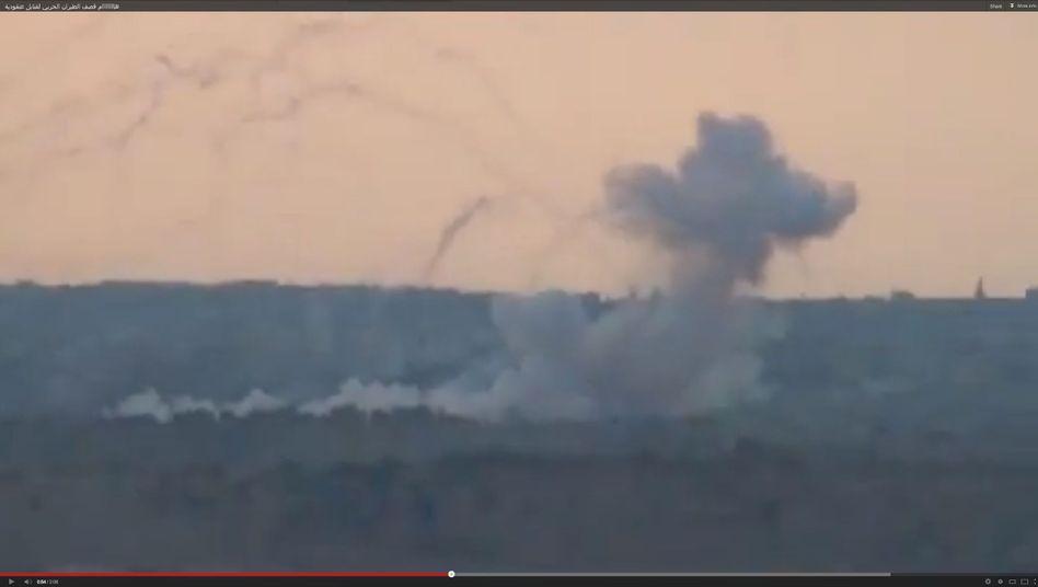 Weißer Rauch über der Stadt Kusair: Das syrische Regime soll Brandbomben einsetzen