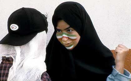 """Wettbewerbs-Beitrag """"Offside"""": """"Nicht dazu geeignet, dem Westen ein positives Bild Irans zu zeigen."""