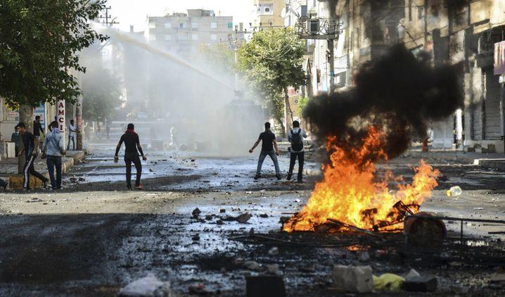 Diyarbakir 2014: Auslöser der Proteste war die Einnahme der mehrheitlich von Kurden bewohnten syrischen Stadt Kobane durch den IS