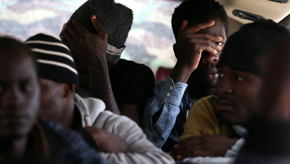 Migranten in Libyen: EU denkt über Auffanglager in Afrika nach