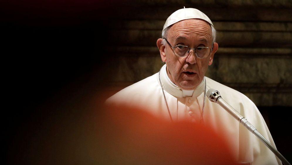 """Kritik am Papst: """"Es geht um die Wurst"""""""