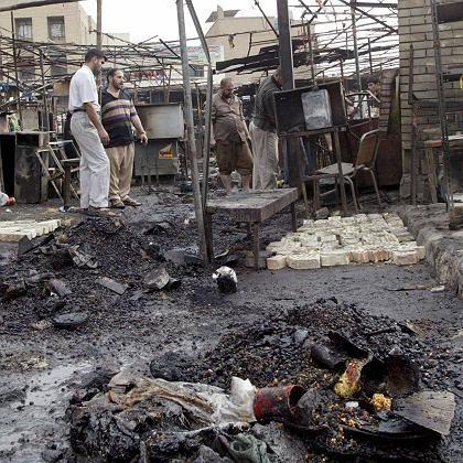 Kein Ende der Gewalt in Bagdad: Der al-Shurja-Markt nach einem Anschlag