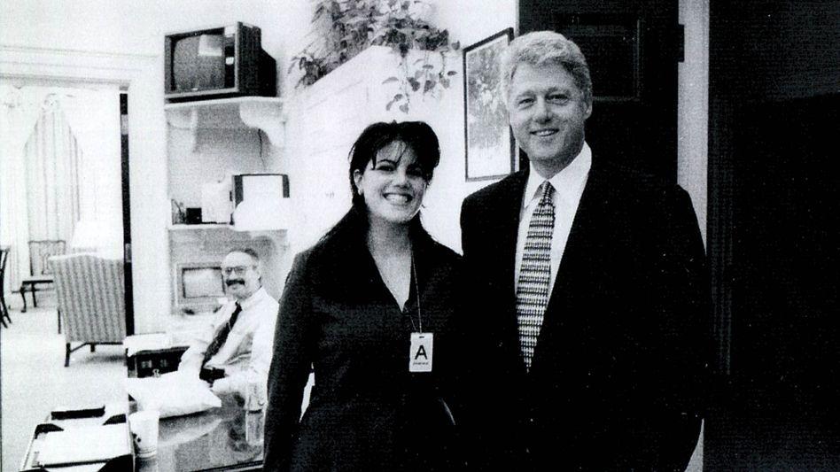 Lewinsky und Clinton im Weißen Haus (Archivbild): Folgenreiche Affäre