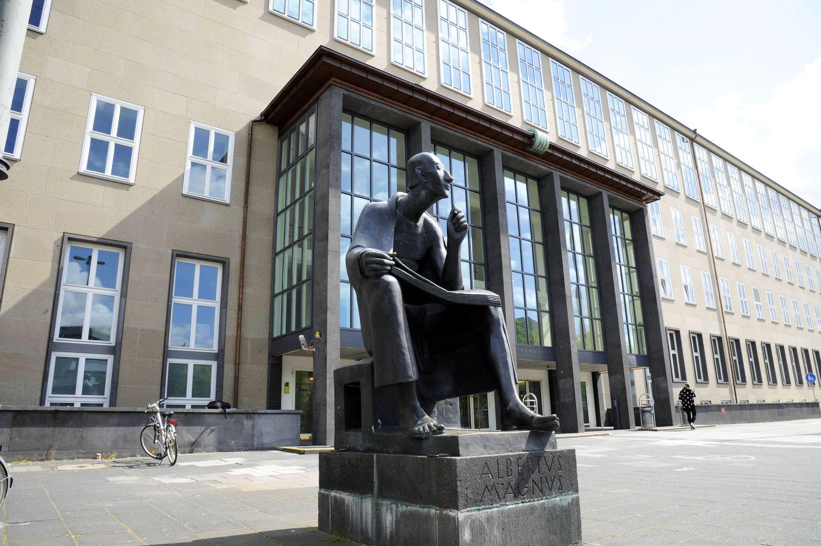 EINMALIGE VERWENDUNG Uni Köln / Hauptgebäude