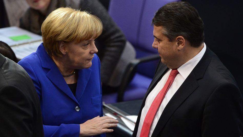 Merkel und Gabriel: Die Große Koalition verliert offenbar an Ansehen.
