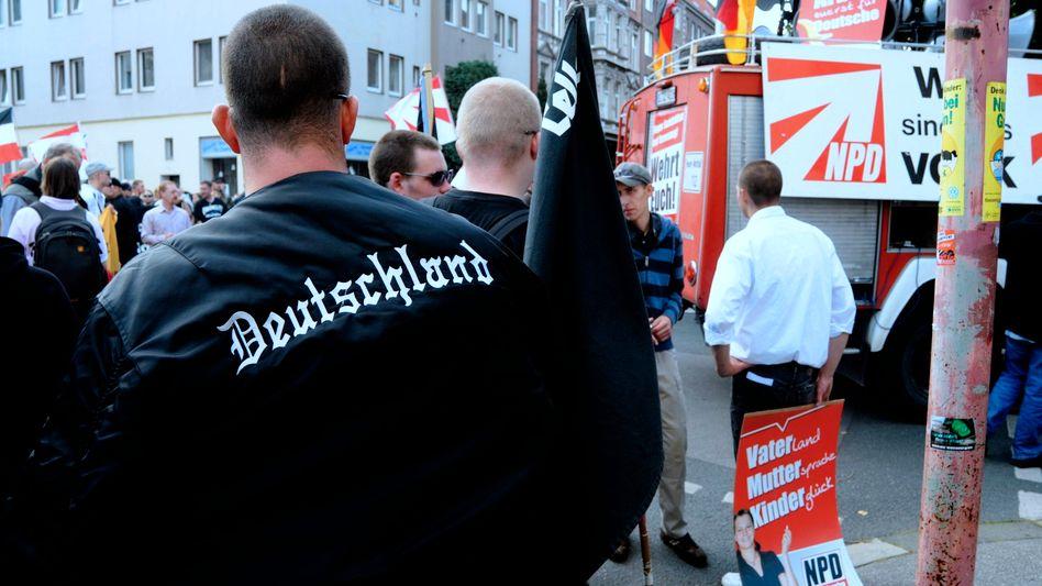 NPD-Anhänger: Die Partei ist tabu, doch ihre Themen finden sich auch in den Volksparteien