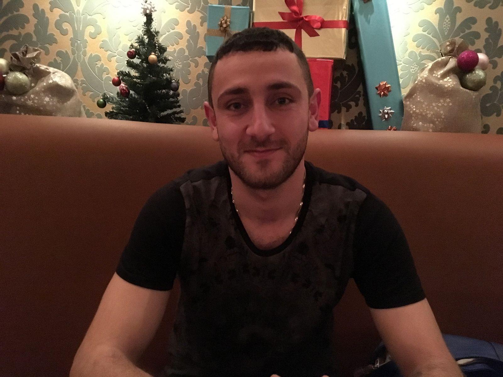 EINMALIGE VERWENDUNG Aram Sahakyan