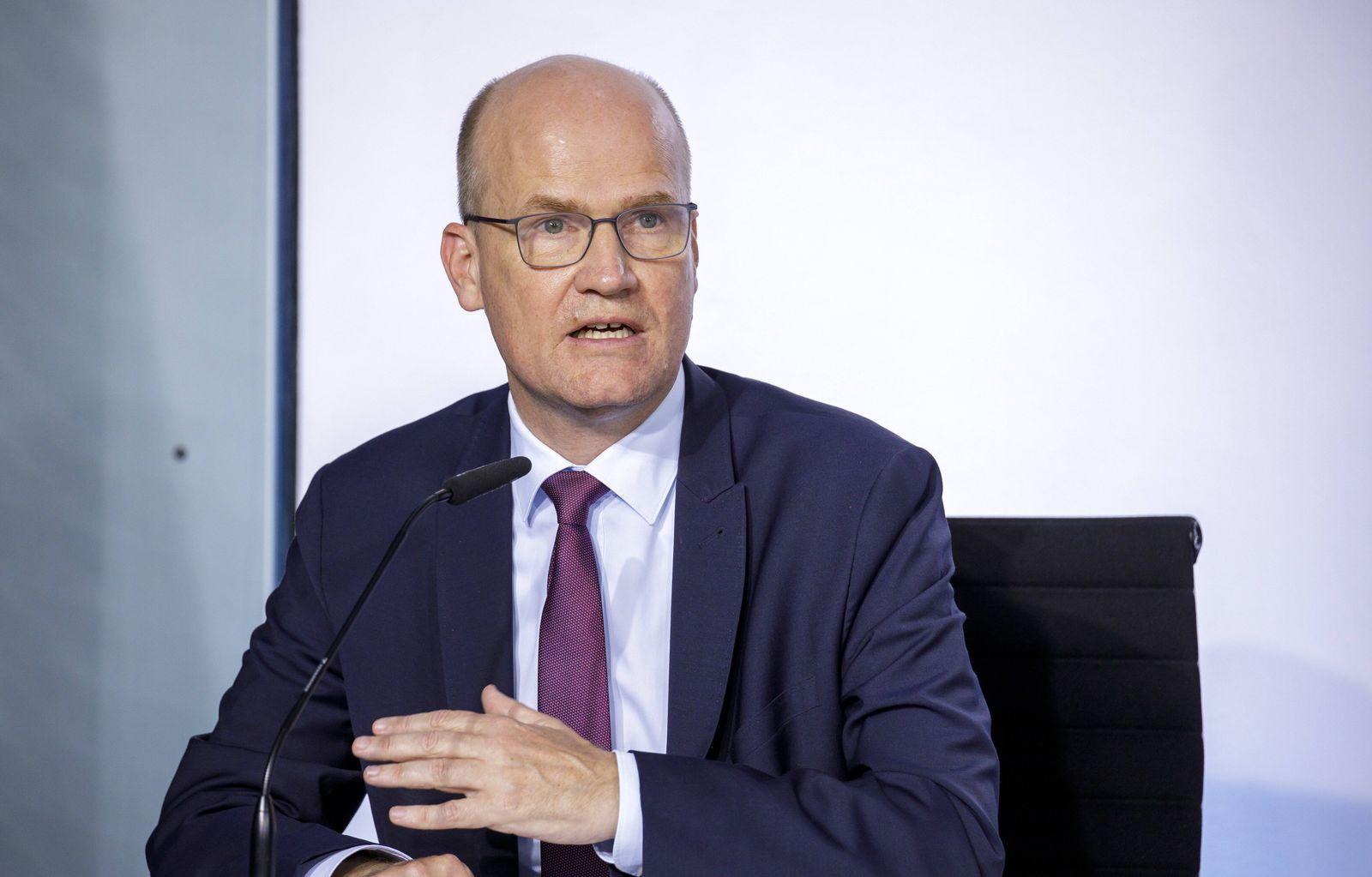 Pressekonferenz zur Vorstellung des Konjunkturpaketes nach dem Koalitionsgipfel von SPD und CDU/CSU. Ralf Brinkhaus, CD
