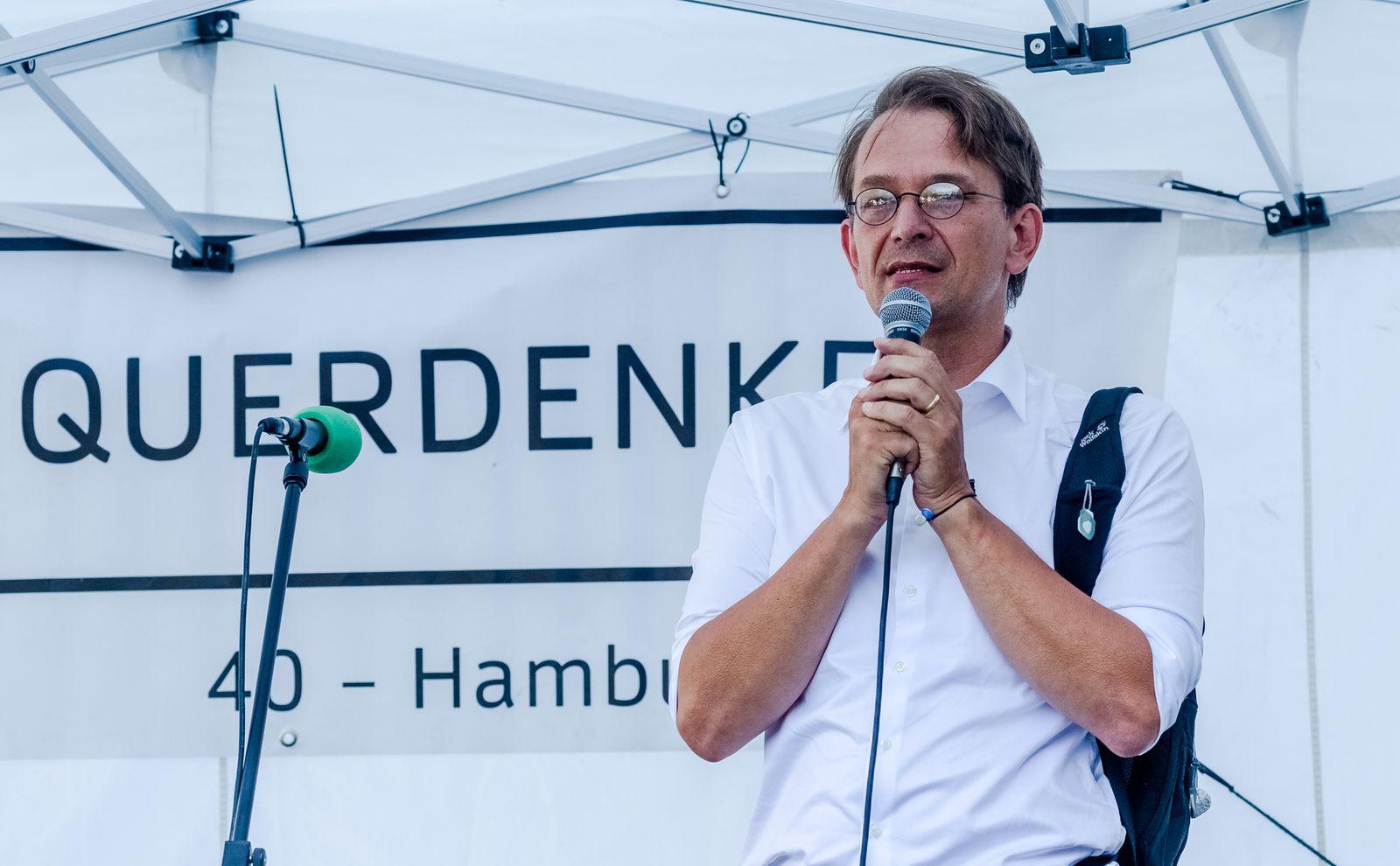 Kundgebung von Gegnern der Coronaschutzmaßnahmen in Hamburg