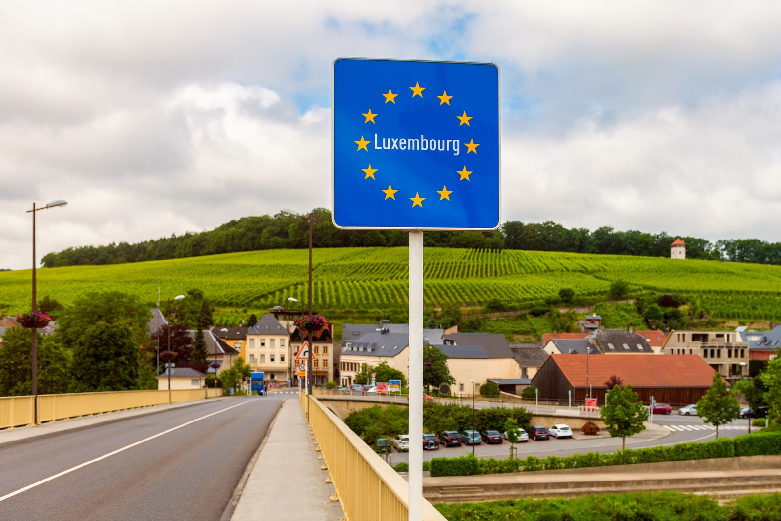 Entrance Sign to Luxembourg
