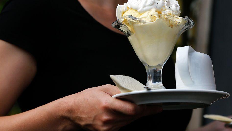 Niedriglohnbranche Gastronomie: Vier von fünf Deutschen befürworten Mindestlohn von mindestens zwölf Euro