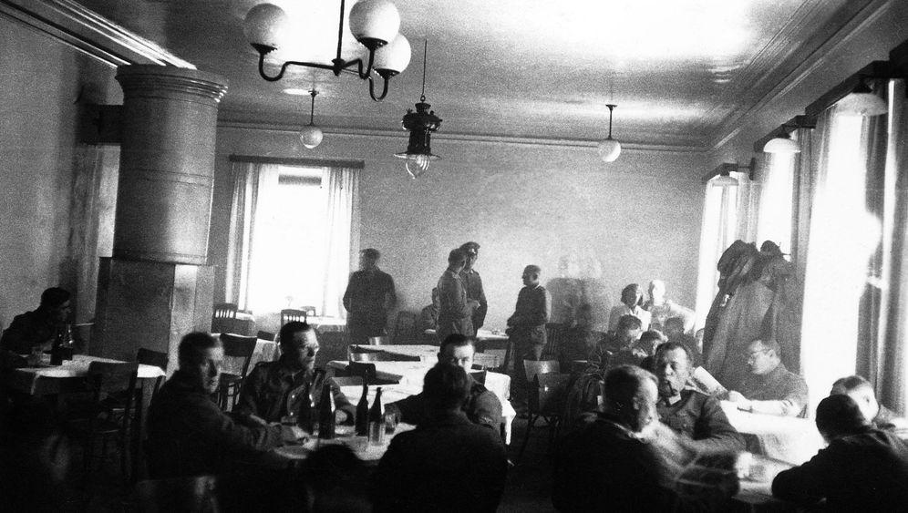 """Die Deutschen und der Holocaust: """"Alle in der Etappe wussten es"""""""