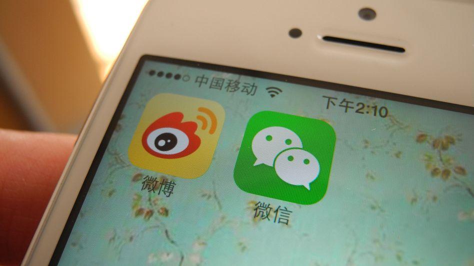 Smartphone-Display mit Weixin-App (rechts): 20 Millionen Accounts gelöscht