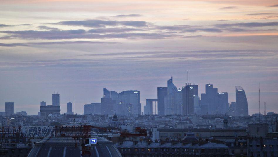 """Pariser Finanzdistrikt La Defense: """"Wir sind stinksauer auf S&P"""""""