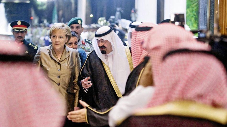 Kanzlerin Merkel, König Abdullah am 25. Mai 2010 in Saudi-Arabien