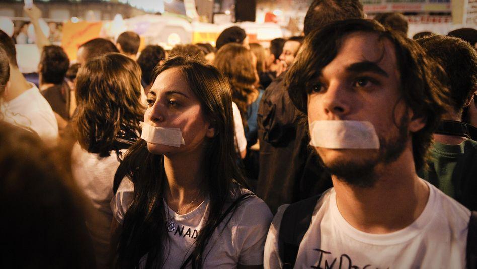 Protestierende Jugendliche: Sie sind besonders von der hohen Arbeitslosigkeit betroffen