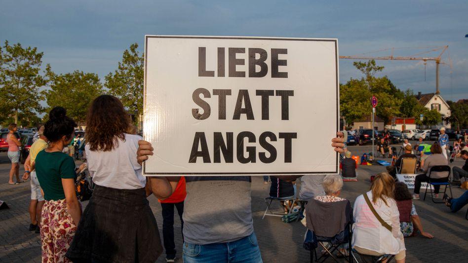 Montagsdemo gegen die Coronamaßnahmen in Bad Dürkheim (Archivbild)
