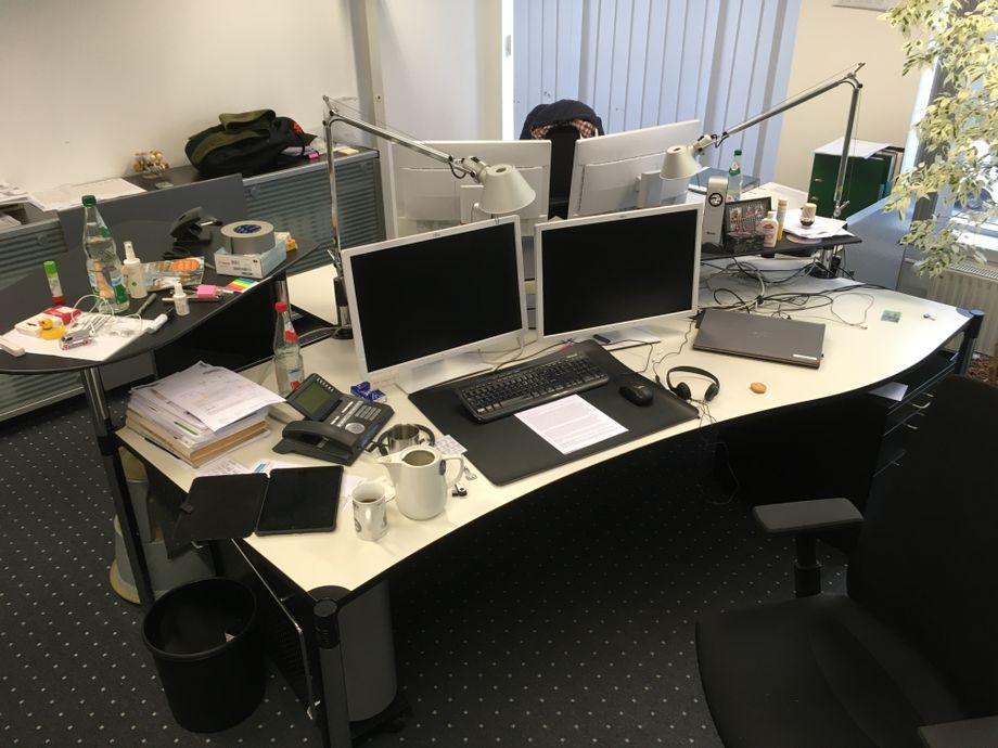 Was Hat Ein Rabe Mit Einem Schreibtisch Gemeinsam 2021
