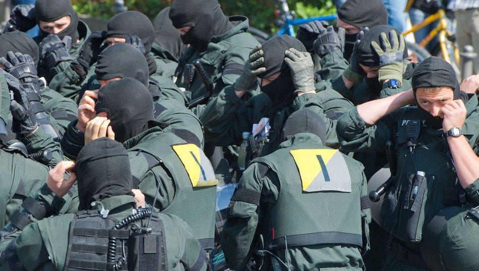"""Polizisten in Frankfurt: """"Irgendwann müssen wir auch durchgreifen"""""""