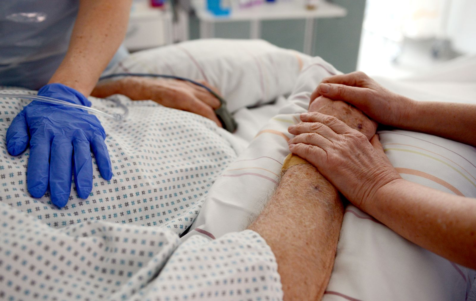 Ungeliebte Patienten: Angehörige pflegen Behinderte in Klinik