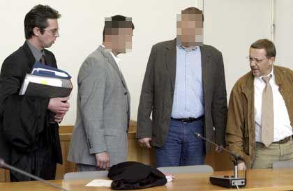 """Die Polizisten Alexander M. und Hans Joachim G.: """"Sollte das Urteil irgendwann rechtskräftig werden..."""""""