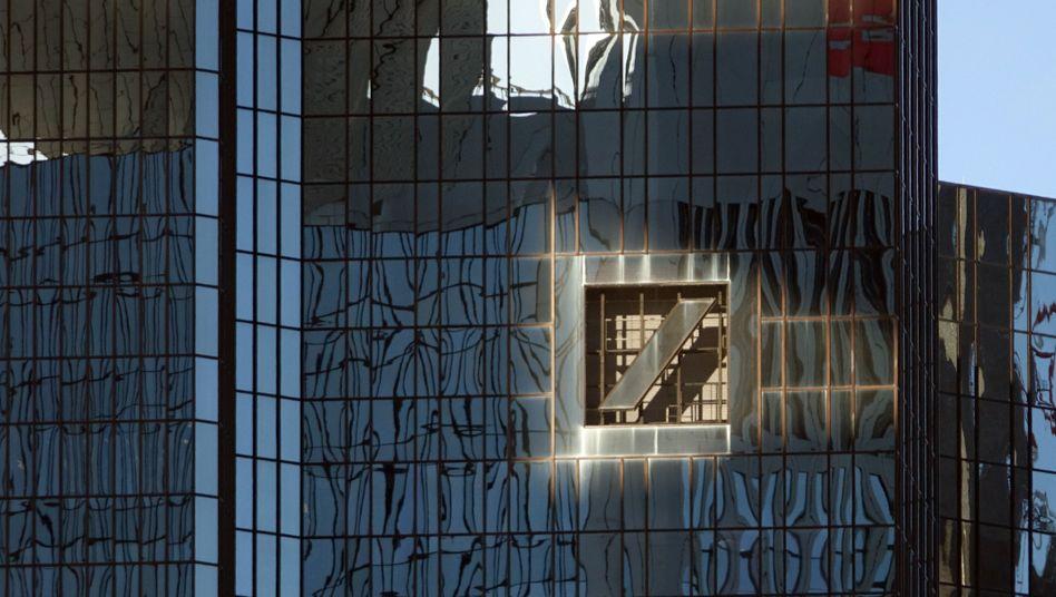 Deutsche-Bank-Zentrale: Freundliche Einladung aus Washington