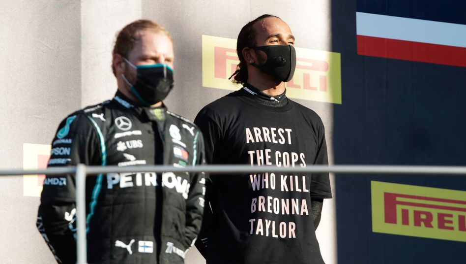 Nach neuen Regeln der Fia macht es hier nur Valtteri Bottas richtig, Lewis Hamilton nicht