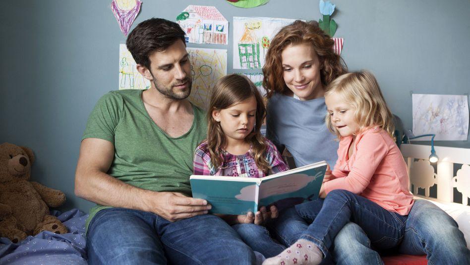 Idealvorstellung von einer jungen Familie: Die Realität weicht davon oft ab, auch in Büchern