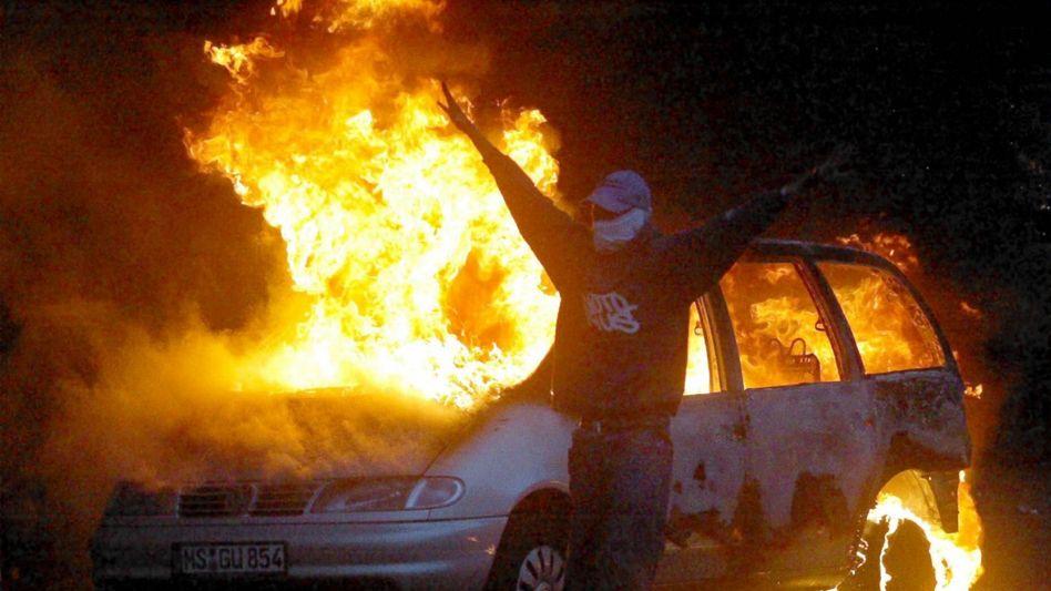 Szene während der Mai-Krawalle in Berlin: Polizei überfordert