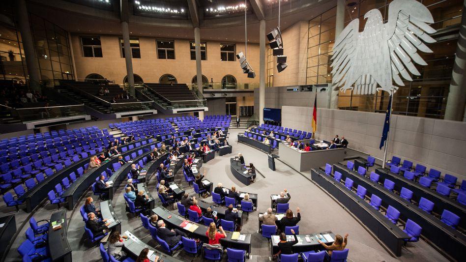 Abgeordnete im Bundestag: Bei Sozialdemokraten und Linken wächst der Furor gegen die schwarze Null