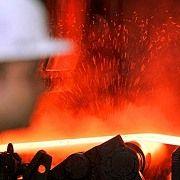 """Stahlarbeiter: Früher hoch bezahlte Facharbeiter, heute oft unterbezahlte """"prekär Beschäftigte"""""""