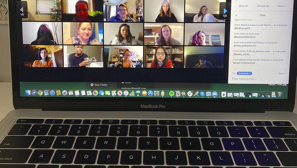 Über Zoom können bis zu 100 Teilnehmer gleichzeitig in einem Videoanruf sein - das dürfte für die meisten Familien reichen