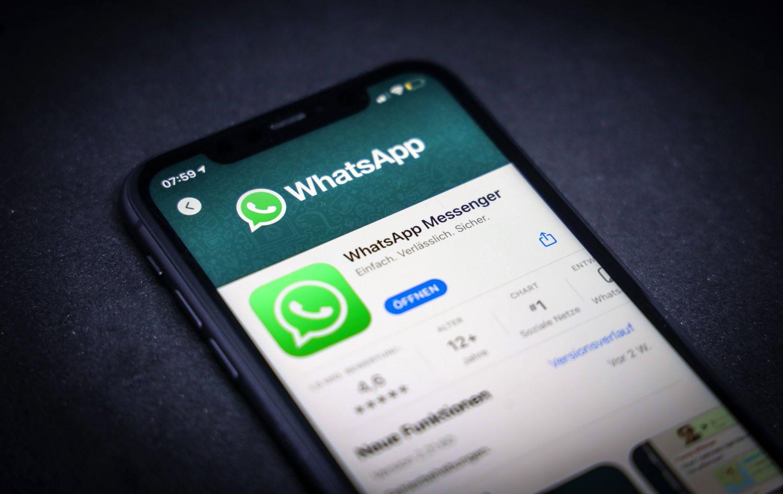 13.04.2021: Apple App Store auf einem iPhone. Apps-Charts. WhatsApp Messenger *** 13 04 2021 Apple App Store on an iPho