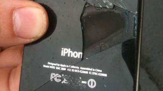 Zerstörtes iPhone: Plötzliche Rauchentwicklung im Flugzeug