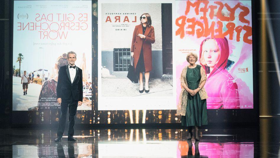 Filmakademie-Präsident Ulrich Matthes, Staatsministerin Monika Grütters bei der Verleihung der Deutschen Filmpreise