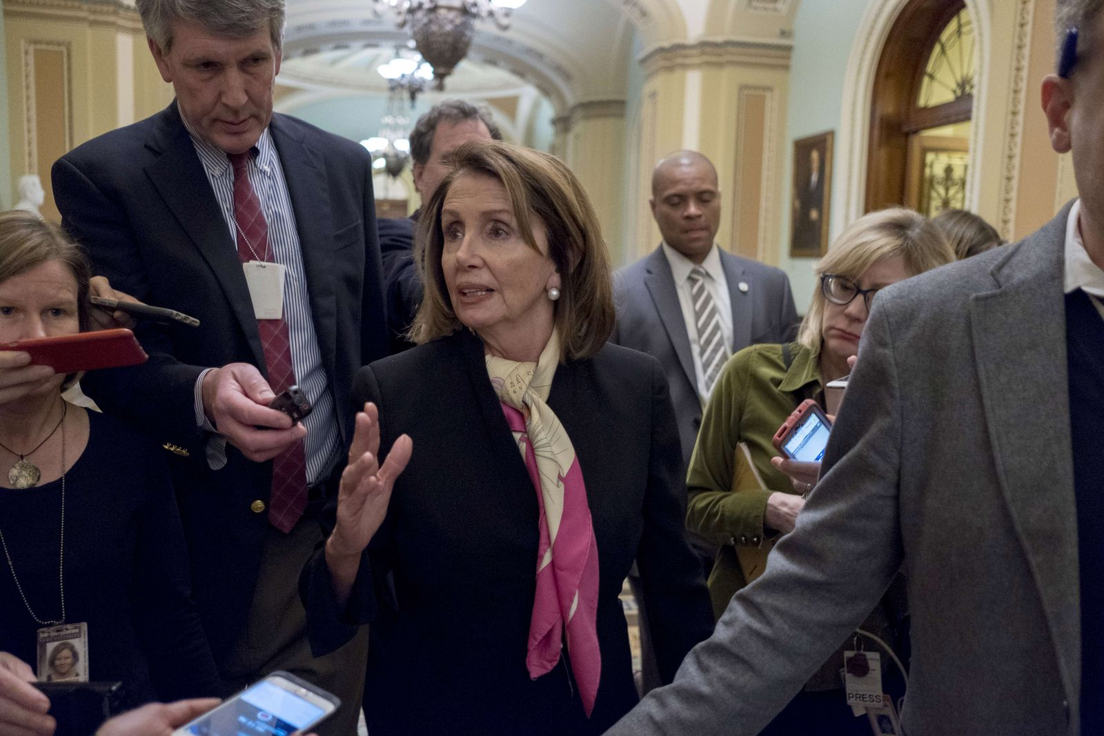 US-U.S.-CONGRESS-WRANGLES-WITH-AGREEMENT-TO-SOLVE-GOVERNMENT-SHU