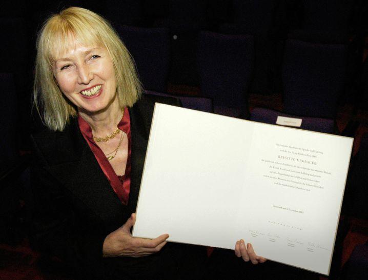Brigitte Kronauer 2005 bei der Preisverleihung des Georg-Büchner-Preises