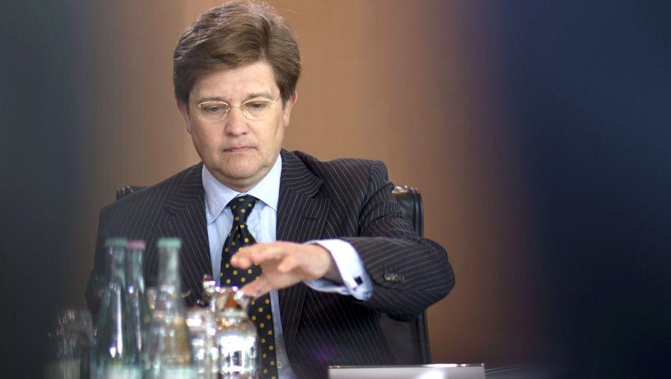"""Eckart von Klaeden: """"Es gibt keine Interessenkollision, die erkennbar wäre"""""""