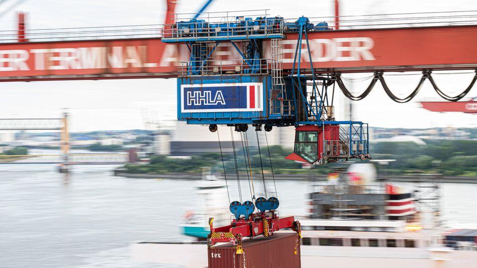 Containerbeladung im Hamburger Hafen: Die deutsche Exportindustrie macht ordentliche Geschäfte, dank hoher Nachfrage aus China und den USA