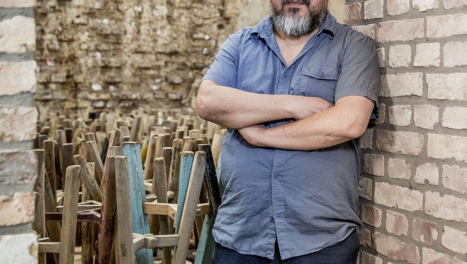 Ai Weiwei in seinem Atelier im Prenzlauer Berg in Berlin: Öffentliche Antrittsvorlesung geplant