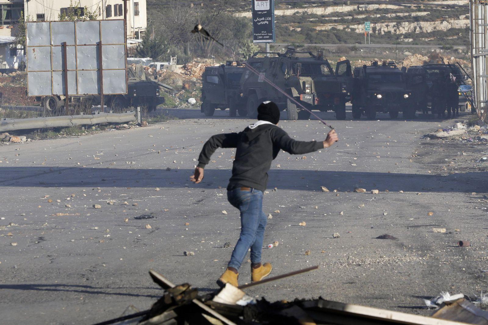 Israelische Armee riegelt nach Anschlag Ramallah ab