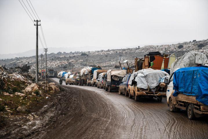 Brutaler Winterkrieg: Zivilisten fliehen aus Idlib