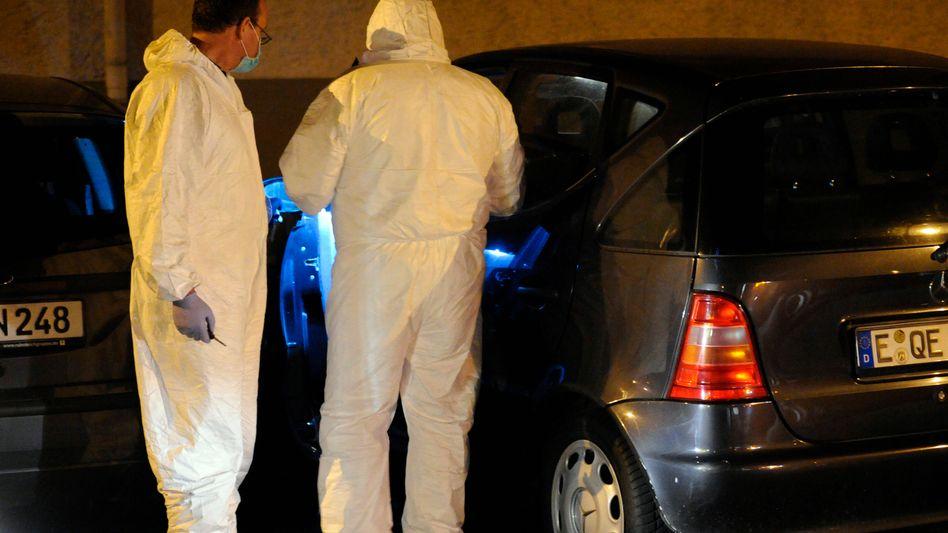 Spurensicherung in Essen: 19-Jährige erschossen, 45-Jährige schwer verletzt